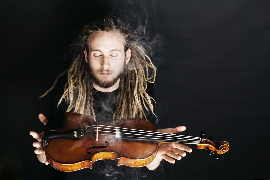 Bartsoz Nowak - Violin